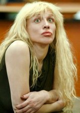 courtney love cracked