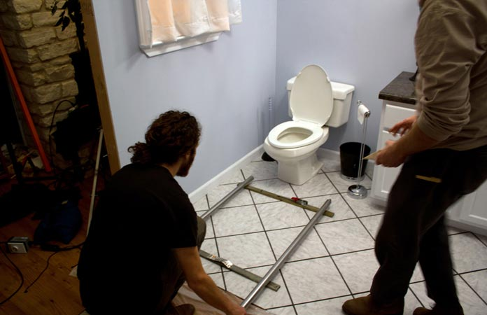 first-date-bathroom-set-photo-from-cinapse