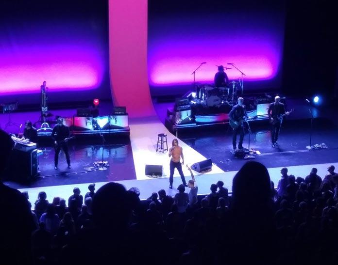 iggy-pop-concert-review-header-graphic